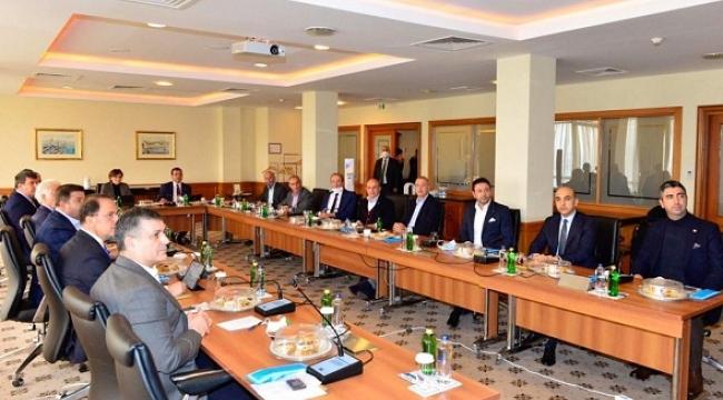 Başkan Gökhan Yüksel Kartal'ın Muhtarları ile Bir Araya Geldi