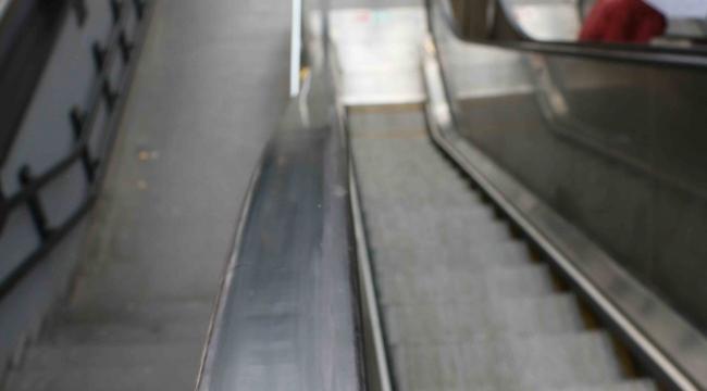 Yürüyen Merdivenlere Vandal hasarı